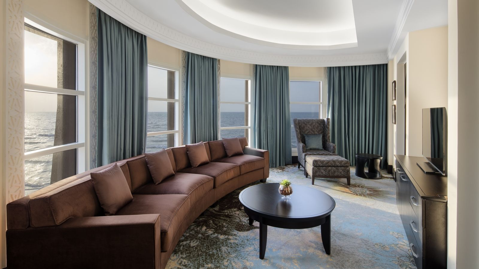 Club Tower Suite
